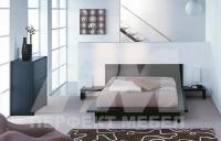 Спалня с нощни щкафчета