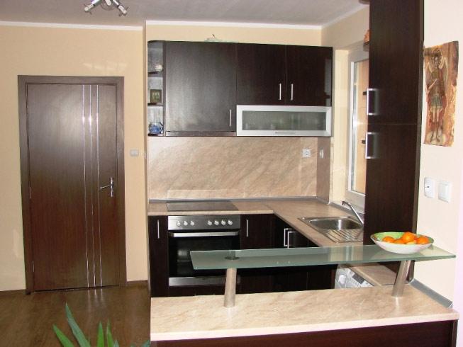 Венге мебели за ъглова кухня сара